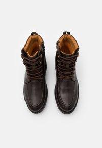 Timberland - OAKROCK WP ZIP BOOT - Schnürstiefelette - dark brown - 3