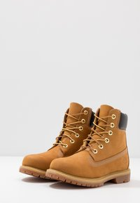 Timberland - 6IN PREMIUM BOOT  - Lace-up ankle boots - wheat - 4