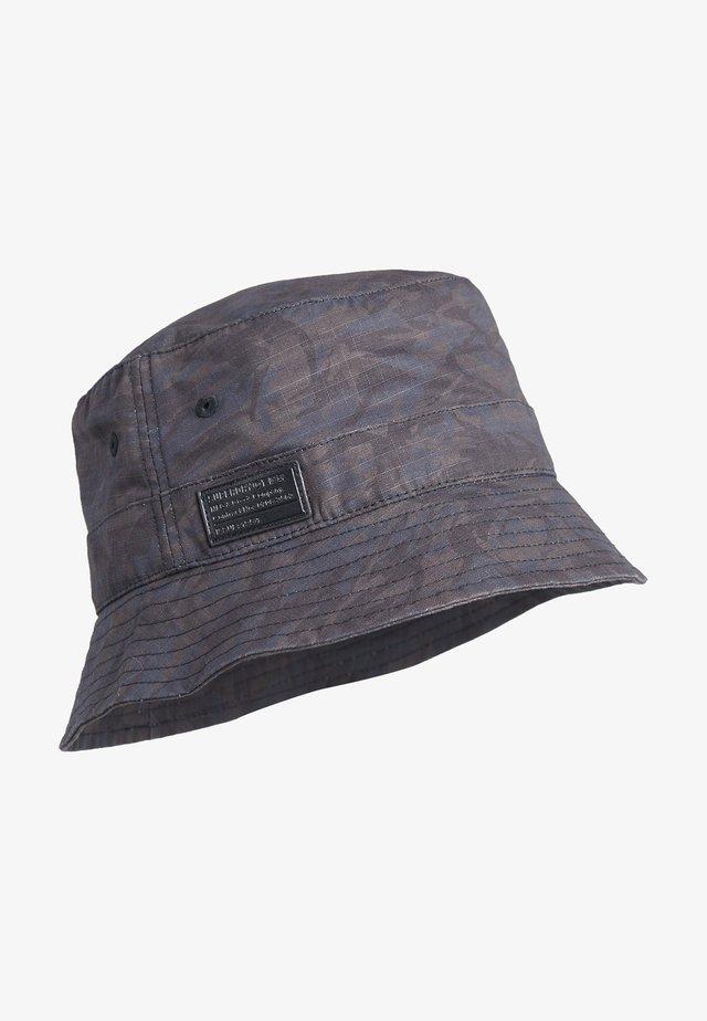 Cappello - black nathan camo