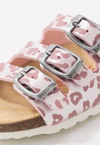 Superfit - FUSSBETTPANTOFFEL - Pantoffels - pink - 5
