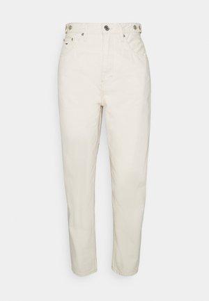MOM - Jeans Tapered Fit - ecru