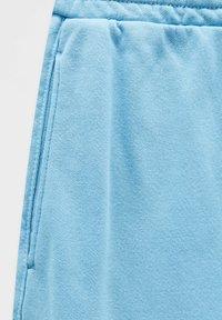 PULL&BEAR - Shorts - light blue - 7