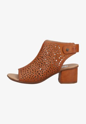 Ankle cuff sandals - cayenne