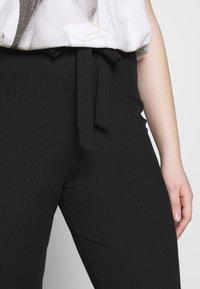 Missguided Plus - PLUS FLARE TIE BELT TROUSER - Kalhoty - black - 4