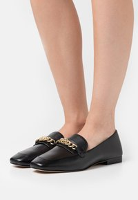 MICHAEL Michael Kors - DOLORES LOAFER - Slip-ons - black - 0
