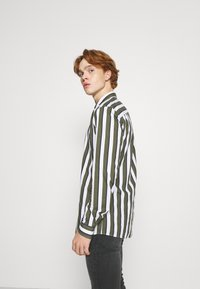 Only & Sons - ONSSANE STRIPED SLIM FIT - Shirt - olive night - 3