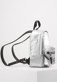 KARL LAGERFELD - BACKPACK - Sac à dos - silver - 3