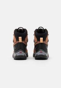 Salomon - QUEST 4 GTX - Hiking shoes - sirocco/mocha mousse/almond cream - 2