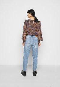 ONLY Petite - ONLEMILY LIFE ANKLE  - Straight leg jeans - medium blue - 2