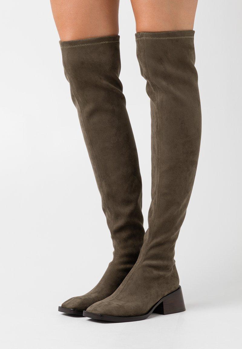 Jeffrey Campbell - PATRIK  - Kozačky nad kolena - khaki