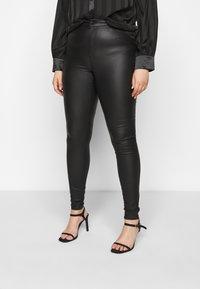 Vero Moda Curve - VMLORA COAT PANTS - Jeans Skinny Fit - black - 0