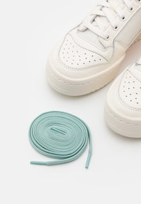 adidas Originals - FORUM BOLD  - Sneakers laag - cloud white/offwhite/halo blue - 5