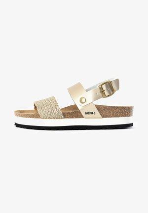 ALMERIA - Sandały na platformie - gold