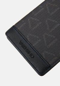Valentino by Mario Valentino - LIUTO WALLET - Wallet - nero - 3