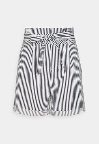 VMEVA PAPERBAG  - Shorts - snow white/navy blazer