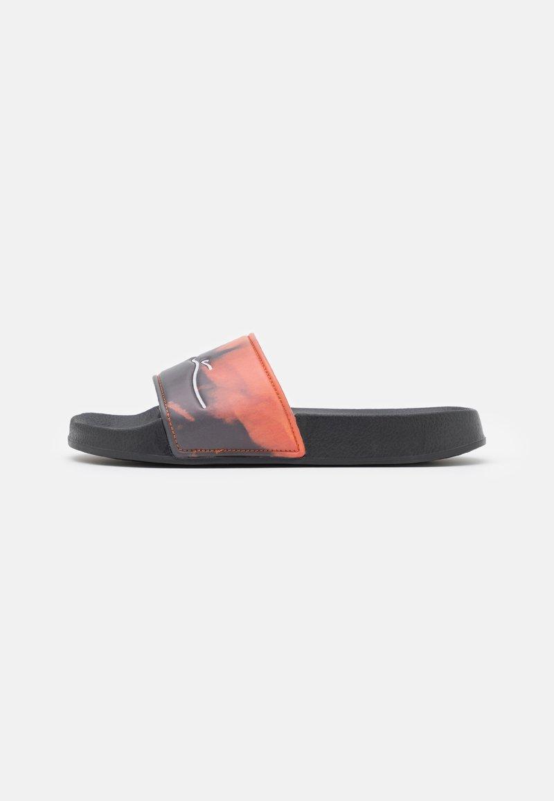 Karl Kani - SIGNATURE BLEACHED POOL SLIDES  - Rantasandaalit - black/dark orange