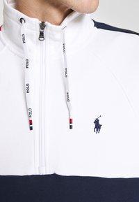Polo Ralph Lauren - HEAVY SOFT TOUCH - Sweatshirt - white - 5