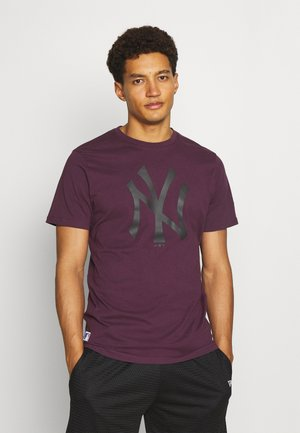NEW YORK YANKEES MLB SEASONAL TEAM LOGO TEE - Artykuły klubowe - purple