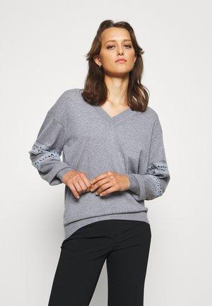 Jumper - dapple grey
