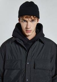 PULL&BEAR - Light jacket - black - 4
