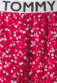 Tommy Hilfiger - CAMI SHORT PRINT SET - Pyjamas - primary red - 7