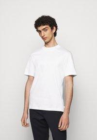 J.LINDEBERG - ACE MOCK NECK - Basic T-shirt - white - 0