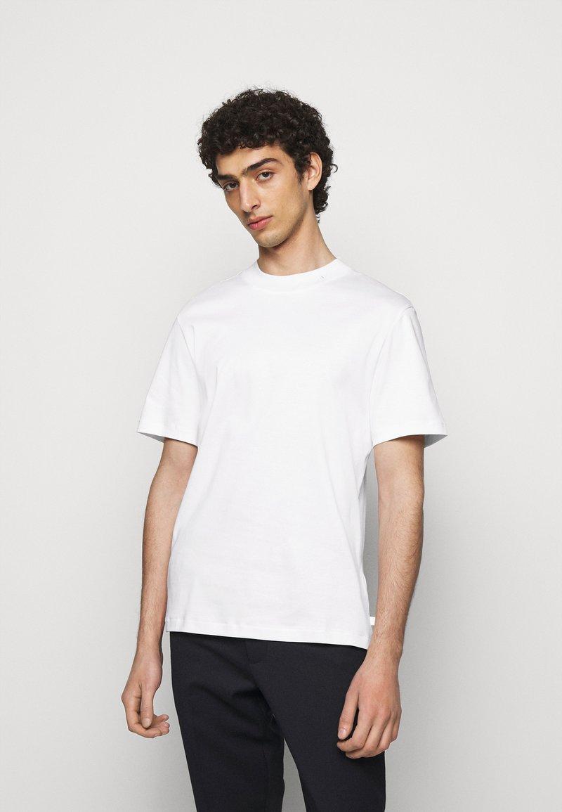 J.LINDEBERG - ACE MOCK NECK - Basic T-shirt - white