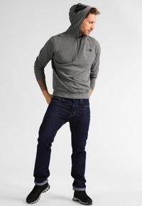 The North Face - SEASONAL DREW PEAK - Bluza z kapturem - medium grey heather - 1
