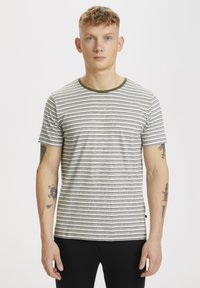 Matinique - Print T-shirt - olive night - 0