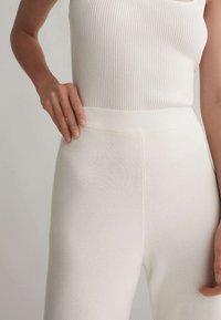 OYSHO - Kalhoty - white - 4