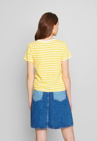 RVCA - MURPHY STRIPE TEE - T-shirt z nadrukiem - yellow - 2