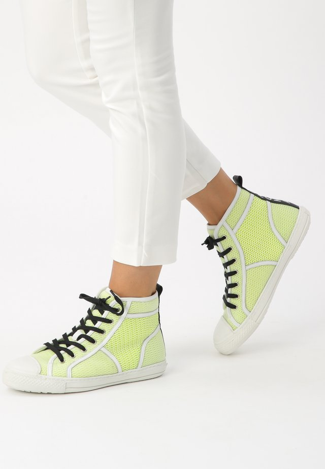 High-top trainers - yellow