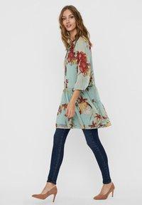 Vero Moda - VMWONDA TUNIC - Day dress - jadeite 1 - 4