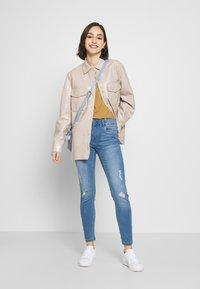 Vero Moda - VMSEVEN SHAPE UP  - Jeans Skinny Fit - light blue denim - 1