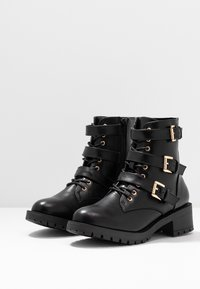 Bianco - BIACLAIRE BASIC BOOT - Cowboy/biker ankle boot - black - 4