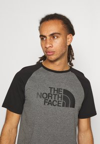 The North Face - RAGLAN EASY TEE - T-shirts med print - mottled grey - 3