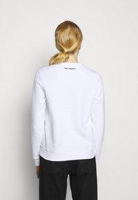 KARL LAGERFELD - IKONIK  - Sweatshirt - white - 2