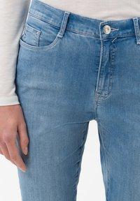 BRAX - STYLE CAROLA - Slim fit jeans - light blue - 3