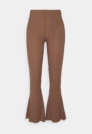 ABBIE TROUSERS - Kalhoty - friar brown
