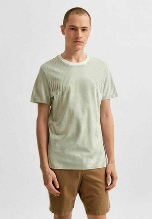 T-shirt print - tea