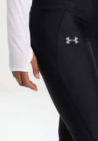 Under Armour - FLY FAST CAPRI - 3/4 sports trousers - black - 3