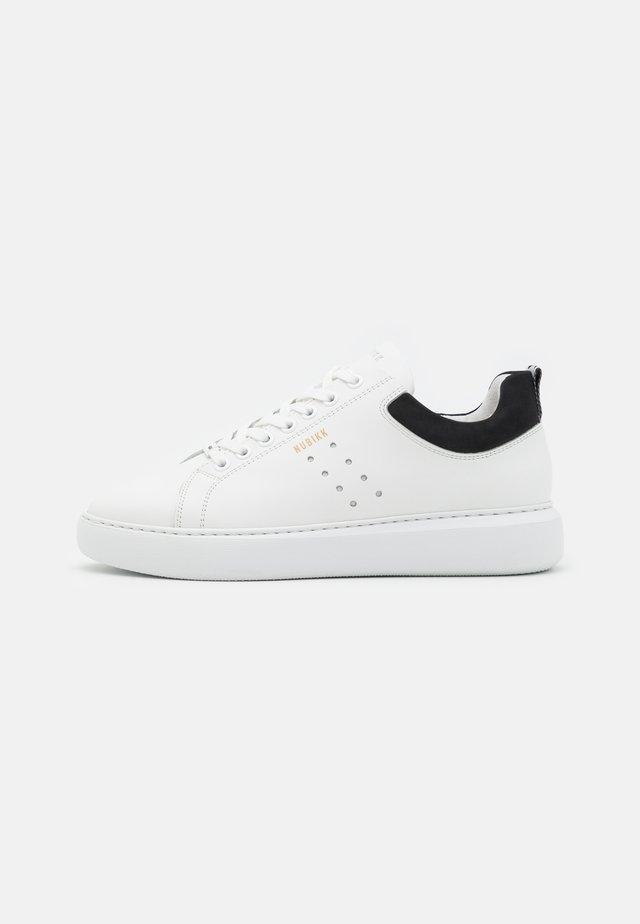 SCOTT MARLIN - Sneakersy niskie - white/black