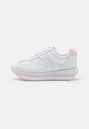 RUNNER FLATFORM LACEUP - Trainers - bright white