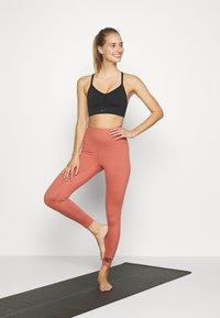 HIIT - CORE LEG STONE - Tights - salmon - 1