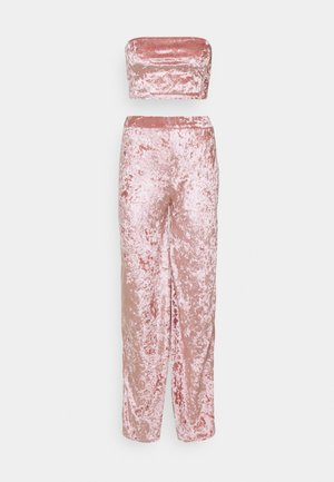 CRUSHED BANDEAU AND TROUSER - Trousers - blush