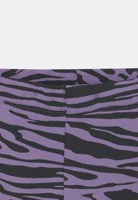 Lindex - MINI AVOCADO UNISEX - Leggings - Trousers - light dusty lilac - 2