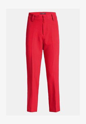 MIT GÜRTEL - Pantalon classique - rot
