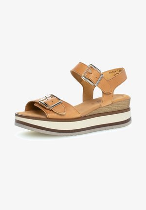 Platform sandals - shell