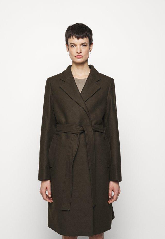 KAYA COAT - Zimní kabát - pine green