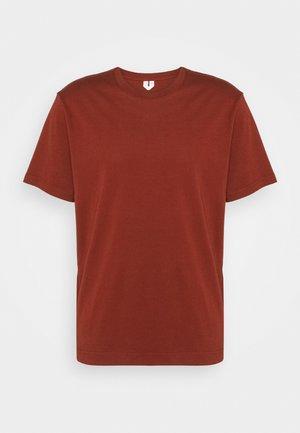 Jednoduché triko - red dark